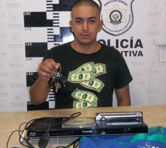 Con una llave inmovilizó ciudadano a un ladrón de autos