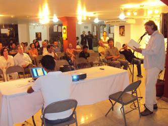 Presentan Letras de Finisterra, compilación de escritores de Los Cabos
