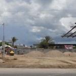 """La alcaldesa aclaró a los medios de comunicación que los propietarios de la gasolinera """"complementaron todo lo que hacía falta para la licencia de construcción"""", por lo que el Ayuntamiento no pudo negarse a otorgarles una licencia de construcción."""