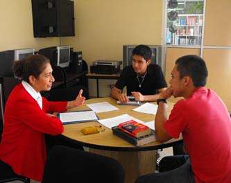 """El Departamento de Lenguas Extranjeras de la UABCS ofrece el diplomado """"Teaching Knowledge Test"""". Las inscripciones ya dieron inicio y permanecerán abiertas hasta el 17 de agosto de 2012."""