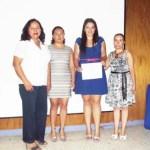 Liduvina Vázquez Ruiz, egresada de la carrera de Biología Marina de la UABCS, realizó un estudio sobre el efecto de dietas suplementadas con el probiótico lactobacillus sakei 5-4 y el prebiótico inulina sobre la modulación de la microbiota intestinal de juveniles de cabrilla sardinera.