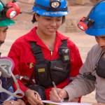 El director de la CAMIMEX reiteró que la minería en nuestro país es responsable y moderna y está a la vanguardia en tecnología, buenas prácticas, operación y manejo de todas las sustancias que utiliza, por lo que lamentó el desconocimiento y la desorientación que pueden provocar algunos grupos que se oponen a esta actividad.