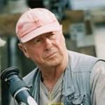 El director cinematográfico, conocido por películas como 'Top Gun' y 'Beverly Hills Cop II', fallece tras saltar del puente Vicent Thomas en LA.