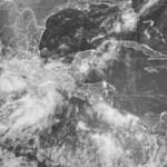 """El boletín señaló que la tormenta tropical """"Héctor"""" se fortalece levemente durante este domingo, frente a la costa occidental de México, pero los meteorólogos esperan que se aleje más de tierra en los próximos días."""