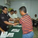 Los 23 choferes participantes recibieron su constancia y gafete de identificación, que demuestran haber cumplido con este programa.