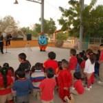 Ayón López destacó que, en este nuevo programa, personal de la Dirección de Operación y Mantenimiento capacita a los estudiantes de las escuelas de nivel secundaria en reparaciones de fugas y problemas básicos que puedan tener en el sistema hidráulico de sus hogares.