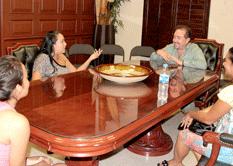 Atiende Alcalde a vecinos de Costa Dorada
