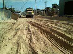 Falta maquinaria y tierra para rehabilitar avenidas