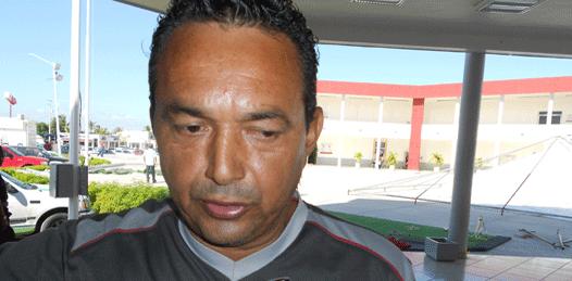 Rafael Silva, locatario del mercado Gral. Agustín Olachea Avilés.
