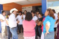 Tano con estudiantes del COBACH