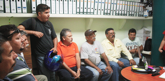 Se manifestaron comerciantes desalojados de los vados