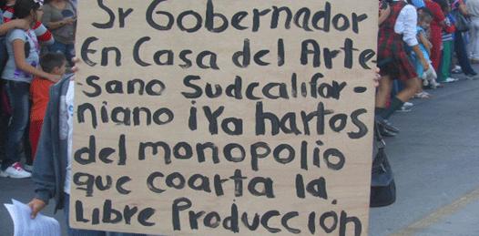 Ante un gobernador ausente, denuncian monopolio en la Casa del Artesano