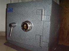 Se llevaron las ratas la caja fuerte de una residencia