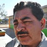 El Secretario de Educación Pública Alberto Espinoza