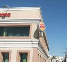 Asaltaron a una niña en el baño del Burger King
