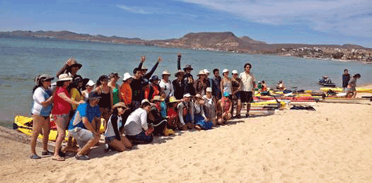 Contra las playas privadas se manifiestan kayakeros