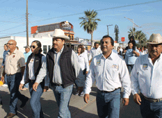 Encabeza Alcalde desfile del Día del Trabajo