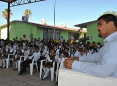 Asiste el Alcalde a concurso de Himno Nacional