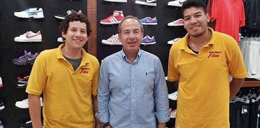 "Calderón, de ""shopping"" en La Paz"