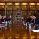 En medio de un discreto dispositivo de seguridad, concluyó la reunión entre el secretario de Gobernación y la secretaria de Seguridad Nacional de EU.