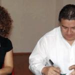 El pasado 8 de agosto, el M. en C. Gustavo Rodolfo Cruz Chávez, Rector de la UABCS, y la Lic. María Guadalupe Romero Garayzar, Delegada de la CONDUSEF, firmaron un convenio de colaboración