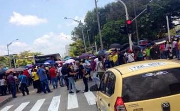 Comenzaron profesores colombianos una huelga nacional