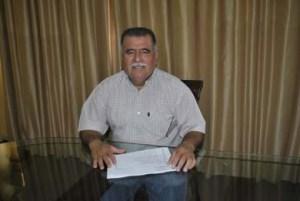 Oficial Mayor Modesto Amador.