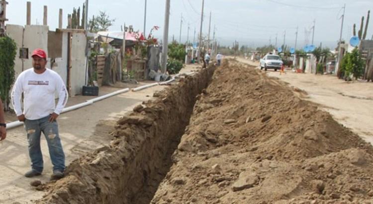 Inició la instalación del drenaje y alcantarillado en La Pasión