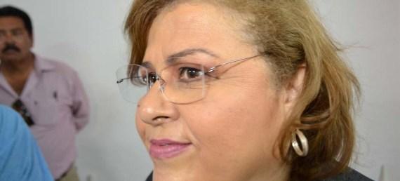 La alcaldesa Esthela Ponce Beltrán