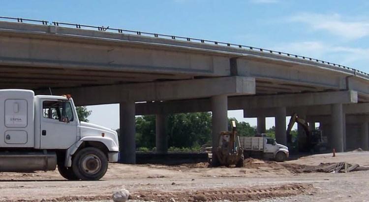 Construirán un puente y un distribuidor vial en la carretera al norte