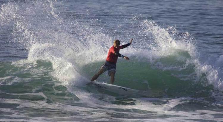 Viento en popa el segundo día del Abierto de Surf
