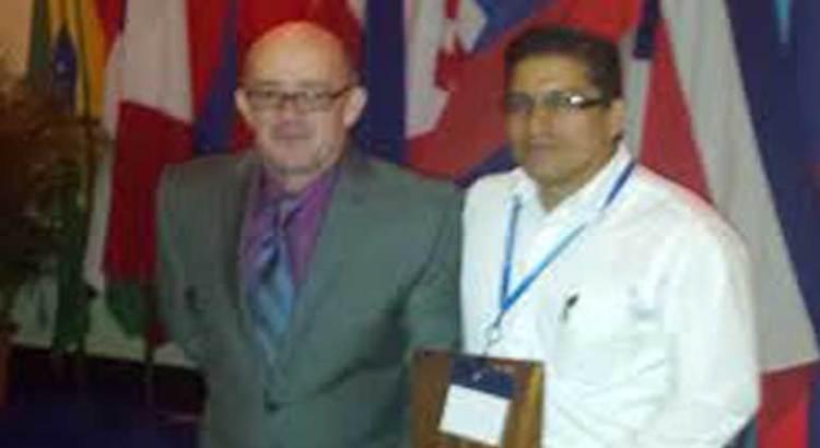 Premian en Costa Rica a catedráticos de la UABCS