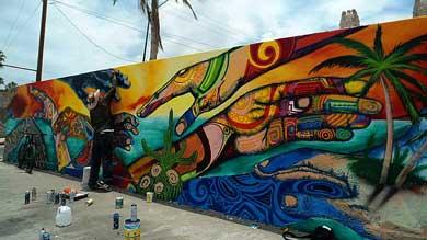 Pintan mural en El Manglito