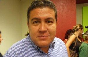 rector Gustavo Cruz Chávez.