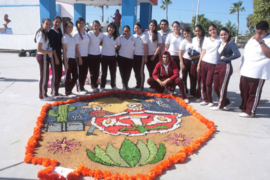 Premian a ganadores del concurso de alfombras
