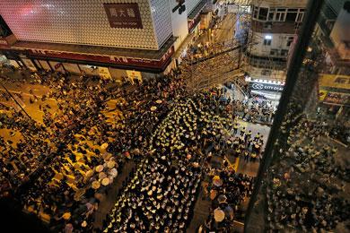Se reagrupan manifestantes de Hong Kong