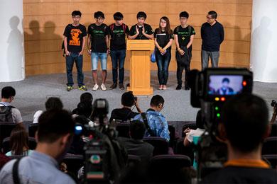 DialoganEstudiantes y gobierno de Hong Kong