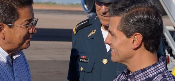 El Ingeniero Sebastián Romo Carrillo recibe al Presidente Peña Nieto.