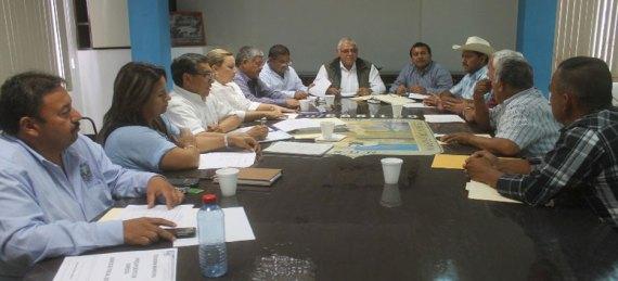 El alcalde Antonio Ojeda Molina, acordó con el Cabildo diversos cambios y enroques dentro de la Administración Municipal.