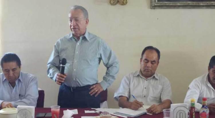 Recibe Felipe Prado el respaldo de Isaías González Cuevas