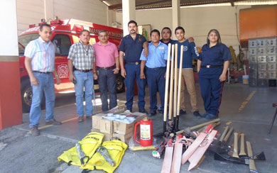 Entregó Protección Civil material a bomberos de Santa Rosalía