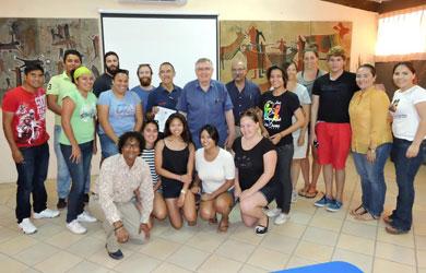 Imparten taller a universitarios loretanos