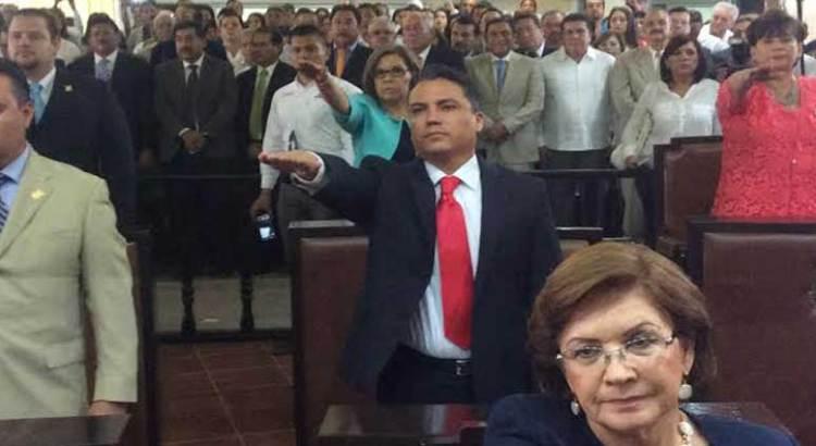 Rinden protesta diputados de la XIV legislatura del Congreso del Estado