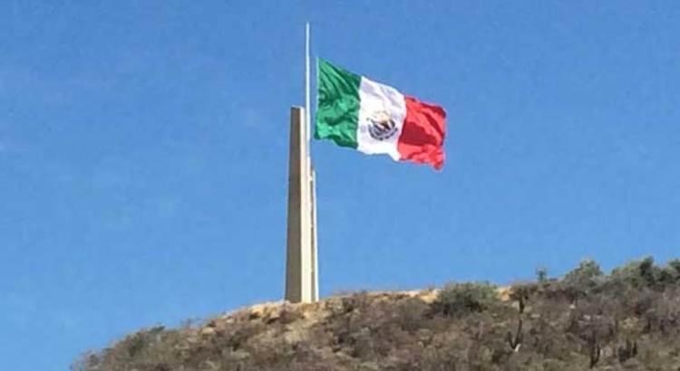 Celebraron Día de la Bandera Nacional