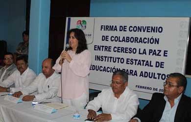 Signan CERESO La Paz e IEEA convenio de colaboración
