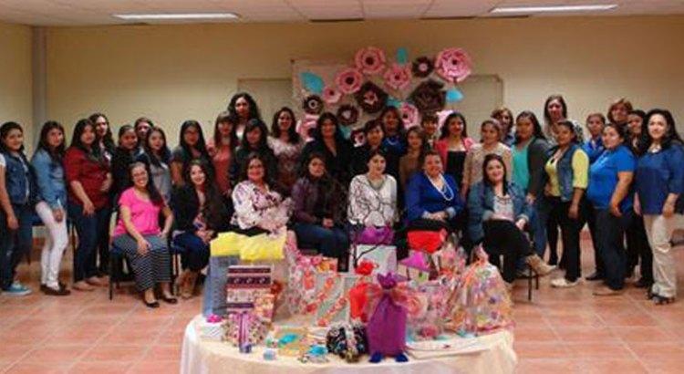 Festejó UABCS el Día de las Madres