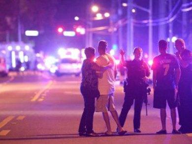 Ataque armado en club gay