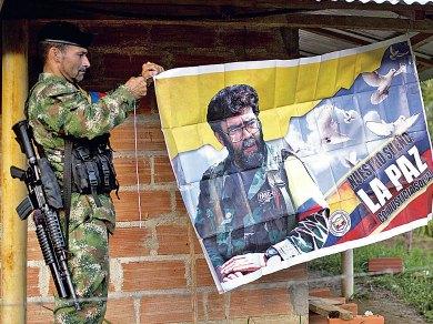 Pactan histórico cese al fuego en Colombia