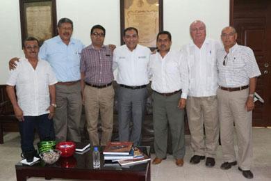 Recibe Alcalde a directiva del Colegio de Ingenieros