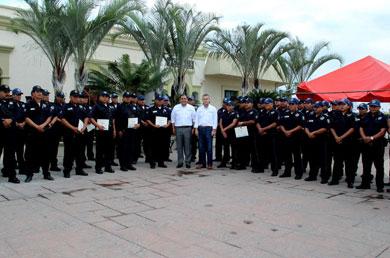 Entregan constancia de Formación Inicial a 30 policías